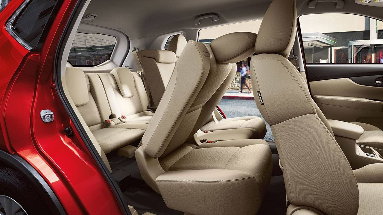 2017.5 Nissan Rogue Easy Third-Row Access Thanks to EZ Flex Seating