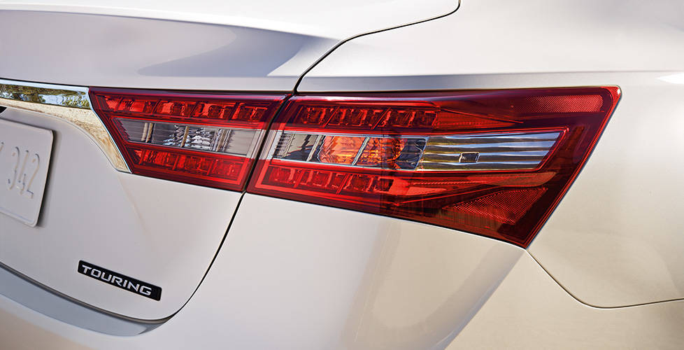 2018 Toyota Avalon Hybrid LED Taillights