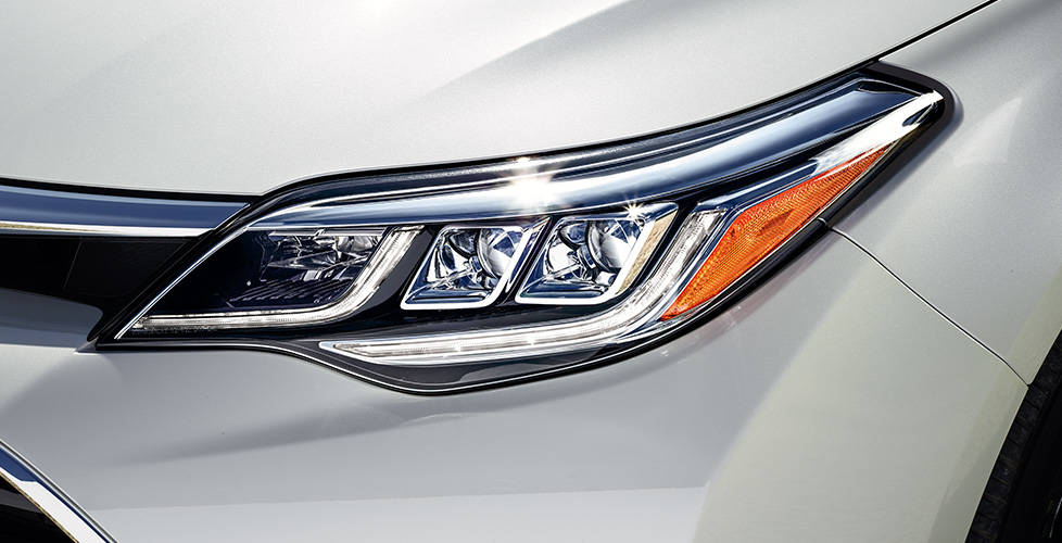 2018 Toyota Avalon Available LED Headlights