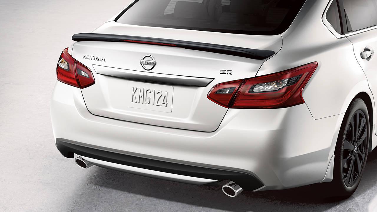 2017.5 Nissan Altima Sedan LEAVE A LASTING IMPRESSION