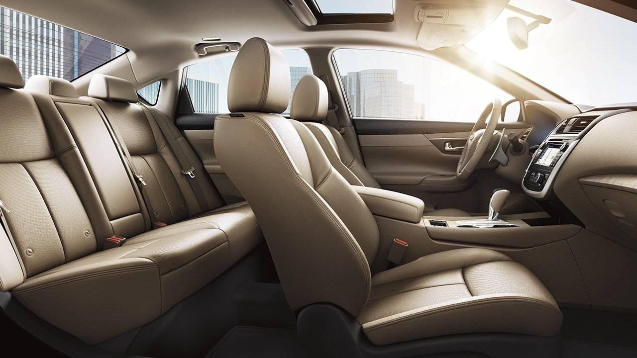 2017.5 Nissan Altima Sedan Interior