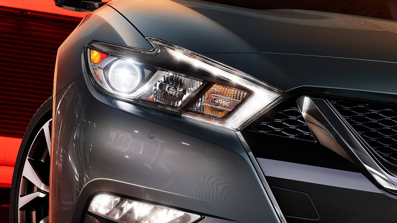 2017.5 Nissan Maxima Signature lighting