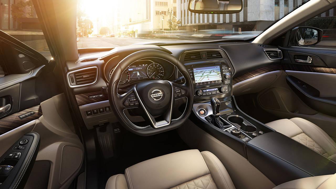 2017.5 Nissan Maxima Zero Gravity front seats