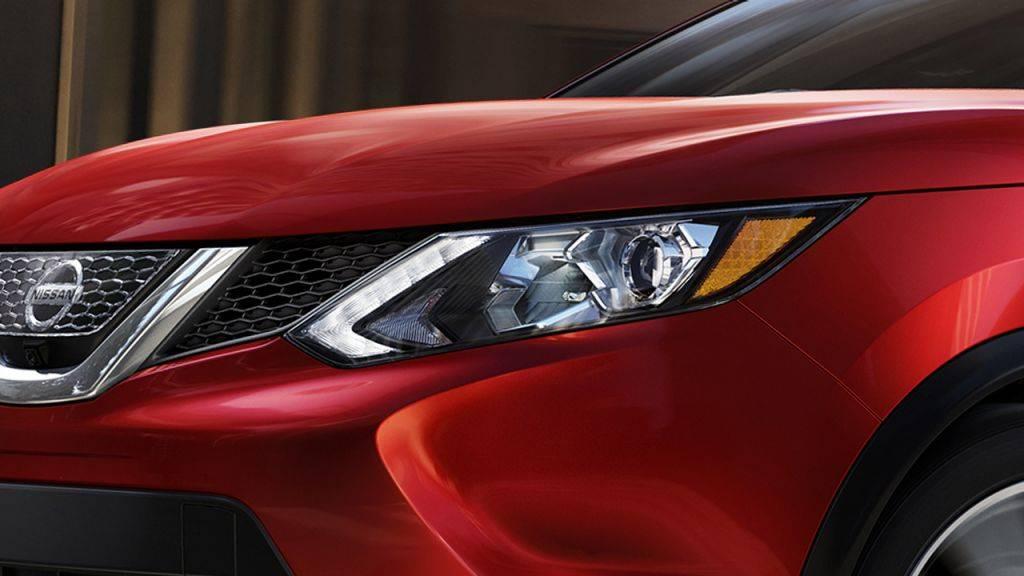 2017 Nissan Rogue Sport Boomerang-inspired lights