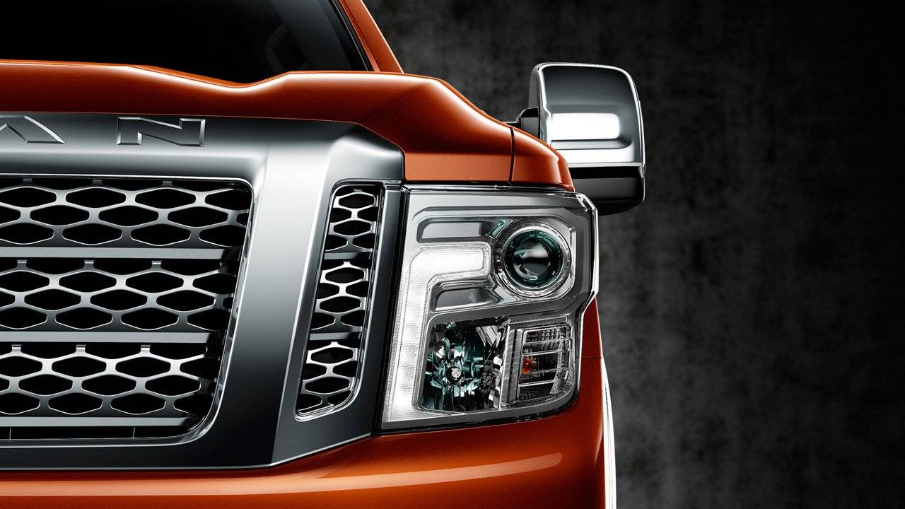 2017 Nissan Titan XD SIGNATURE LED HEADLIGHTS