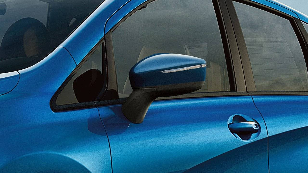 2017 Nissan Versa Note SCULPTED SIDE MIRRORS