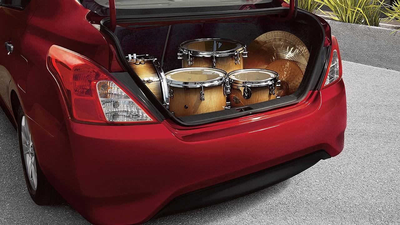 2017 Nissan Versa Sedan Convenient Storage