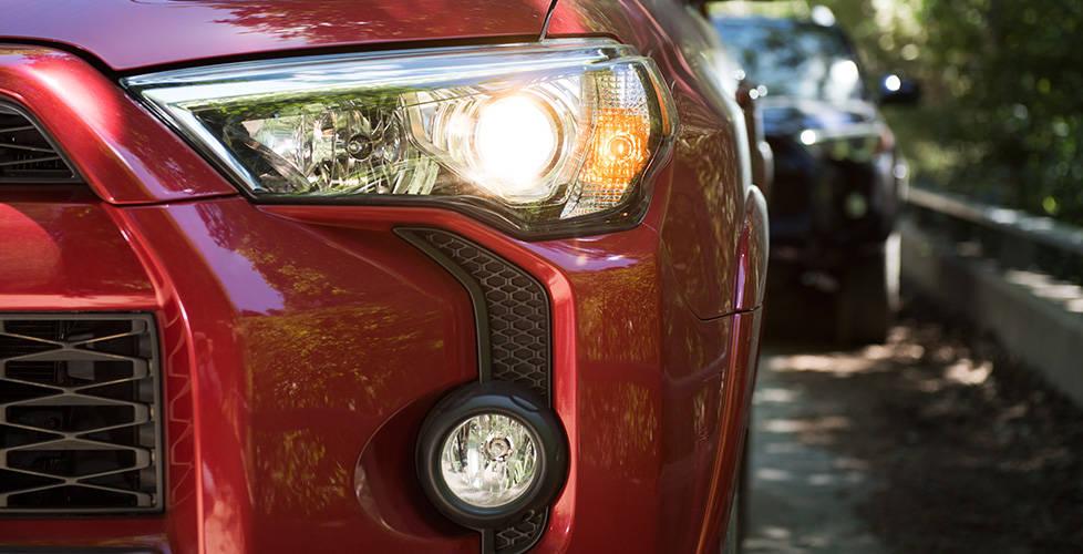 2017 Toyota 4Runner Projector-beam headlights