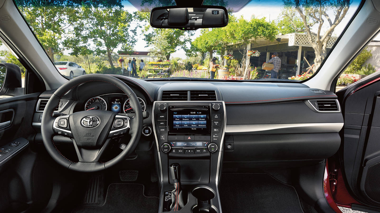 2017 Toyota Camry Hybrid Interior