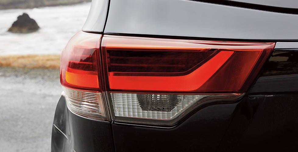 2017 Toyota Highlander Redesigned lighting