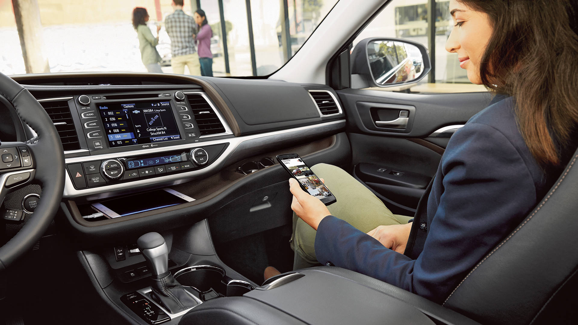 2017 Toyota Highlander Hybrid Interior