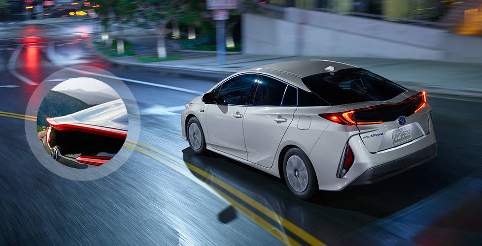 2017 Toyota Prius Prime Carbon-fiber-reinforced-polymer rear hatch