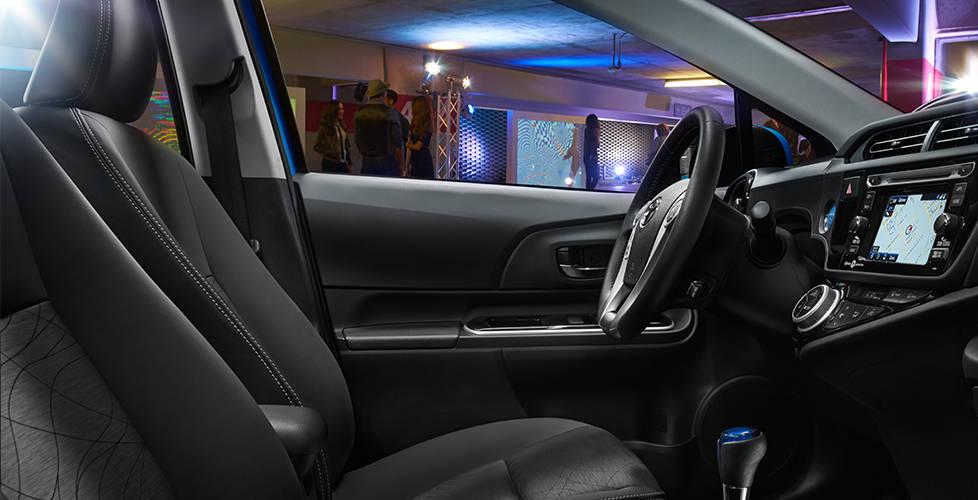 2017 Toyota Prius c Premium interior