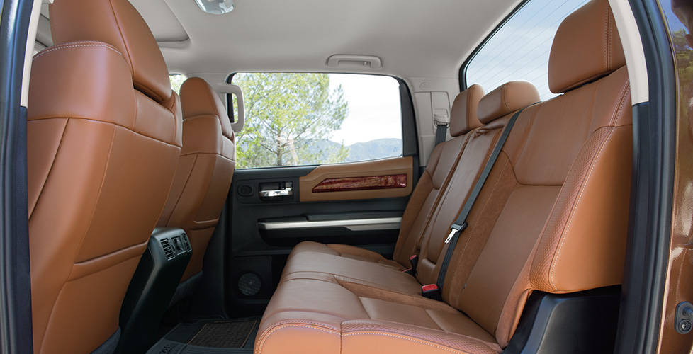 2017 Toyota Tundra Double Cab 4x4 Spacious cabin